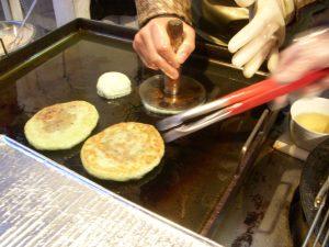 Hotteok (cinnamon pancakes)